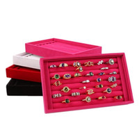 bandeja de exhibición de aretes de terciopelo al por mayor-Nueva caja de exhibición del anillo simple de gama alta Joyería de la venta al por mayor de la caja de la joyería de la caja de almacenamiento de los pendientes del anillo de terciopelo completo