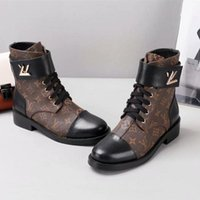 Wholesale soft leisure shoes for sale - Group buy 2018 delivery luxury designer women shoes top quality leather and heavy duty soles comfort venting leisure lady Martin boots size