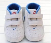 ingrosso primo mese-2017 Scarpe per bambini Neonati Ragazzi Ragazze stelle a forma di cuore Primi camminatori Bambini Toddlers Lace Up PU Sneakers 0-18 mesi