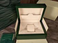sacs cadeau couronne achat en gros de-Nouveau Style Montre Verte Original Boîte En Bois Papiers Cadeaux Montres Boîtes Sac en Cuir Carte Pour couronne LOGO Boîte 116660 116600 Boîte De Montre