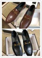 nouvelle robe classique design achat en gros de-2018 nouvelles chaussures habillées classiques en cuir verni pour hommes Les boutiques de doublure en peau de mouton importées sont vendues au dernier design pour rivets