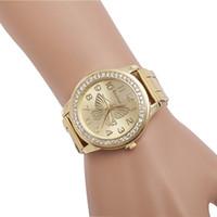 reloj de cuarzo mariposa al por mayor-Relojes de cuarzo de moda Nuevas damas Casual Aleación de cuarzo Mariposa Diamante Reloj Hebilla plegable Reloj redondo