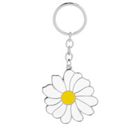 Wholesale Enamel Key Ring - 2018 New Arrivals Enamel Yellow Flower Keychain White Daisy Key Chain Chrysanthemum Keyring Flower Car key Holder Bag Key Rings for Women