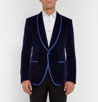 koyu mavi kadifeli toptan satış-Şık Tasarım Damat Smokin Bir Düğme Koyu Mavi Kadife Şal Yaka Groomsmen Best Man Suit Erkek Düğün Takımları (Ceket + Pantolon + Kravat) NO: 851