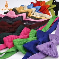 mens stricken fliegen großhandel-Nagelneue Art Mens Knit Bowtie justierbarer Schmetterling für Mann-Krawatten Bowties Entwerfer-strickende Süßigkeit-Farben-feste reine Fliege