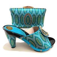 Nuove scarpe da donna africane di design 2019 e borse abbinate Italiane  Scarpe con tacco alto e set di borse per il trasporto libero del partito  TX-229 11284cd8dd9