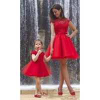 Wholesale Quinceanera Mothers Dress - Red Short Mother And Daughter Prom Dresses Party Dress Cheap Applique Lace Keyhole Formal Holiday Gowns 2018