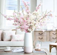 ingrosso alberi di ciliegio per il matrimonio-2pcs Seta artificiale Cherry Blossoms Piante Alberi Rami Bouquet da sposa Home Hotel Decorazione di nozze Fiore finto