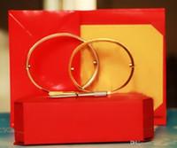 pulseiras de ouro para casais venda por atacado-Pulseiras de amor de aço de titânio prata rosa pulseiras de ouro mulheres homens parafuso chave de fenda pulseira casal jóias com caixa original conjunto