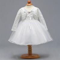 ingrosso bambino del vestito dal merletto 12 mesi-Neonata battesimo battesimo battesimo pizzo abito 3-12 mesi bianco manica lunga abito Deluxe ricamo per matrimonio compleanno