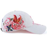 Mujer linda bordado gorra de mariposa de alta calidad gorra de béisbol  ajustable de algodón sombreros casuales snapback cap moda para mujeres 8777431594f