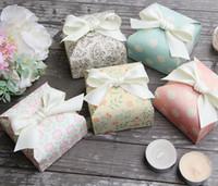 çikolatalı duş iyilikleri toptan satış-Kurdele ile DIY Şeker Kutusu Düğün Iyilik ve Hediyeler Kutusu Parti Malzemeleri Bebek Duş Kağıt Çikolata Kutuları Paketi
