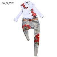conjunto de pantalones al por mayor-Mujeres Spring 2 piezas Conjunto camiseta y pantalón casual moda chándales floral Emboridery Tops Jeans Pantalones Trajes de dos piezas SR313