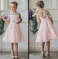 vestidos hasta la rodilla al por mayor-Fancy Pink Flower Girl Dress con apliques, medias mangas, longitud de la rodilla, una línea de vestido con lazos de la cinta para los vestidos del desfile de Navidad 0-12 años