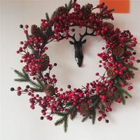 красные садовые цветы оптовых-Новый искусственный венок красная ягода гирлянда сушеный цветок ягодный венок дверь эвкалиптовая гирлянда свечи сад рождественский декор подарок
