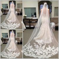decorações de véu de noiva venda por atacado-Moda Capela Comprimento de Tule Noiva Véus De Noiva com Pente Applique Decoração Longo Véu De Noiva Acessórios Para o Cabelo