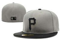 Wholesale hat pirates - 2018 New Men's Pirates gray top black visor fitted hat flat Brim embroiered gold p letter logo fans baseball Hat pirates full closed Chapeu