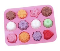 конфеты из цветного желе оптовых-New Silicone Muffin Tray Candy Cupcake Jelly Molds Pan 12 Flowers Bakeware Chocolate Moulds Baking Tools YB200212