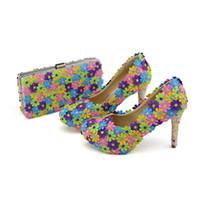 ingrosso sacchetti di pizzo fatti a mano-2018 Colorful Lace Flower Wedding Party Prom Shoes con frizione Pearl tacco alto Banchetto pumps Handmade scarpe donna borsa di corrispondenza