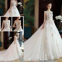 sexy dressing kleidmodelle großhandel-Neueste Modelle 2018 ärmellose Spitze Brautkleider Appliques Ballkleid Sexy Hofzug Hochzeit Brautkleider