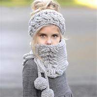 ingrosso maglieria per i bambini poncho-Berretti a maglia per bambini Set di sciarpe per bambini caldi fatti a mano invernali Berretti con cappellino da bambina, cappelli di poncho scialle a tinta unita