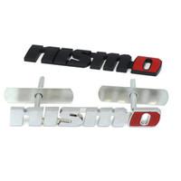 ingrosso emblemi adesivi-Chrome NISMO Auto adesivi per auto Anteriore Grille Badge Emblem Car Styling per Nissan Tiida Teana Skyline Juke X-trail Almera Qashqai