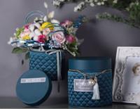 ingrosso scatola rotonda del fiore di trasporto-2PCS rotondo fiore scatola alta secchio fiore bouquet imballaggio scatola regalo boutique fiore macchina di seta imitazione copertura in pelle hug trasporto libero