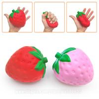 fraises gratuites achat en gros de-Squishies aux fraises Fruit Imitation Fruit Squishy Parfumé Jumbo Kawaii Ralentissant Grand Téléphone Pendentif Livraison Gratuite SQU007