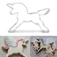 bisküvi kek dekorasyonu toptan satış-Paslanmaz Çelik Unicorn At Çerezler Kesici Kalıp Sevimli Kek Dekorasyon Pasta Pişirme Bisküvi Kalıp 100 adet OOA4195