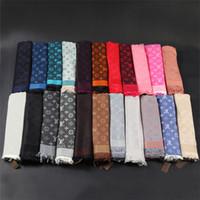 écharpes achat en gros de-Echarpe de marque de luxe en laine et coton teint en fil de coton foulard triangle femme foulard 140 * 140 cm