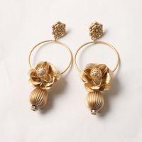 jade asiático venda por atacado-Europa e nos Estados Unidos exagerado Ms. brincos de ouro Asiático oco flores retro moda temperamento brincos feminino 670