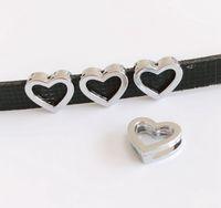 ingrosso braccialetti della cinghia di 8mm-50pcs 8mm argento cuore vuoto scorrevole Charms Slide lettere Hang pendenti Accessori fai da te Fit 8mm Cinture, bracciali, collane