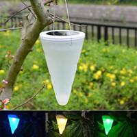 luzes ao ar livre para varanda venda por atacado-Energia Solar Pendurar Lâmpada Cone Varanda Pátio Jardim Gramado Luzes LED Decoração Ao Ar Livre Luz Da Noite Colorido Descolorado 9wn Y