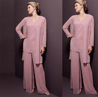 gelin elbise pembe toptan satış-Yeni Custom Made Pembe Şifon Anne Takım Elbise Pantolon Ile Elbise Aplike Uzun Kollu Düğün Parti Kadın Törenlerinde Anne Akşam Elbise