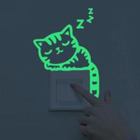 ingrosso adesivi animati scuri dell'animale-Maruoxuan Luminoso Decorazione per la casa Fai da te Divertente Animali Carino Interruttore adesivo Glow In The Dark Soggiorno Adesivo fluorescente
