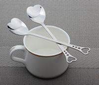 ingrosso i cucchiai di misurazione a forma di cuore favoriscono-Amorini posate a forma di cuore Amorini da caffè Cucchiai dosatori da matrimonio Amanti favori Posate da tavola in acciaio inox 2 Cucchiaini da caffè In1