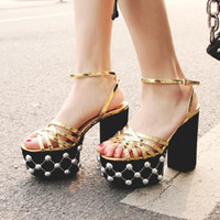 Wholesale platform muffin shoes online - 2018 Show catwalk buckle with large size shoes new list muffins thick platform waterproof platform high heel sandals rough with rivets