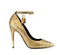 vorhängeschloss schuhe großhandel-2018 Gold Faux Schlangenleder High Heels Damen Schuhe Metall Vorhängeschloss Frauen Schuhe Sexy Spitz Schnalle Frauen Pumps