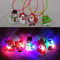 colar iluminada xmas venda por atacado-Atacado-Kids LED Brilho Colar de Brinquedo Luminosa Série de Natal Xmas Árvore de Iluminação Piscando Pingente de Enfeites Presentes do Brinquedo Colar de Bebê