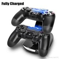 base cuna usb al por mayor-DUAL Nueva llegada LED USB ChargeDock Base de acoplamiento Cuna Soporte para inalámbrico Sony Playstation 4 PS4 Cargador de juego