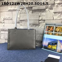 Wholesale Popular Bags - Latest Women shoulder bags Arrive ! Original factory Visible Quality Eternal popular Shape metal studs Crossbody Cost prices sale