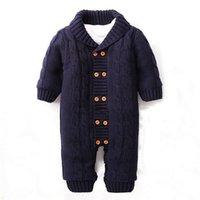 barboteuses de velours bébé achat en gros de-Hiver Nouveau-nés Bébé Bouton Rompers Revers Tricoté Pull Épais Combinaison Velours De Mode Manteau CL0757