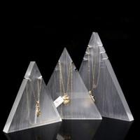 soporte de triángulo al por mayor-Triángulo Collar de la joyería Soporte de exhibición Prop Acrílico para Joyería Boutique Tienda Contador Estante Colgante Collares del encanto Conjunto del sostenedor de la exposición