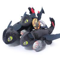 muñeca de niños negros al por mayor-Dragón juguetes de peluche Toothless Night Fury muñeca rellena juguetes para niños de peluche Plus Animales de peluche de juguete negro artículos de la novedad GGA1314