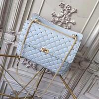 sacs à main en cuir bleu ciel achat en gros de-2018 Nouveau W30cm ciel bleu femmes Top Fashion sac à bandoulière en cuir en peau de mouton rivets Designer sac à main sac de soirée