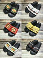 Wholesale eur 42 - High Quality Luxury Brand Designer Men Summer Rubber Sandals Beach Slide Fashion Scuffs Slippers Indoor Shoes Size EUR 40-45.