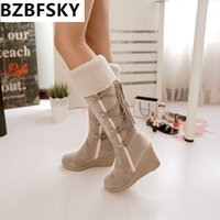 zapatos de limpieza al por mayor-Moda Scrub Plush Snow Boots Mujeres Cuñas hasta la rodilla Botas antideslizantes Thermal Female Cotton-cushded Shoes Warm Plus Size 43