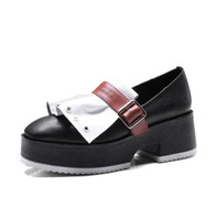 Mixed Color Buckle Mulher Wedge Heel Shoes Round Toe Metal Ring Ruffles Thick Heel Mulheres Bombas Slip On Gladiator Shoes