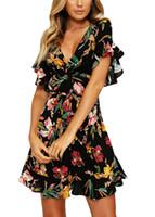 vestido de skatista pescoço preto v venda por atacado-2018 primavera plissado vestidos mulheres floral mini dress decote em v flare manga elástico na cintura ocasional a-forrado skater vestidos feminino preto