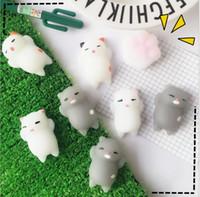 venda mole livre venda por atacado-Venda quente Jumbo Squishy Rosa Branco Gato Kawaii Bonito Animal Lento Aumento Doce Perfumado Encantos De Ventilação Bolo Pão Kid Toy Boneca Presente Frete Grátis